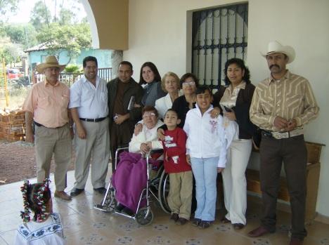 Catalina, Quintila y otros respetables miembros de la familia, asistieron a la fiesta patronal