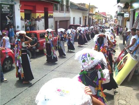 Los barrios tradicionales de Uruapan conservan la cultura purépecha