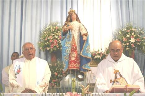 Padre Sotero Fernández y el párroco Germán Cobos, estuvieron en celebraciones religiosas en Jacona