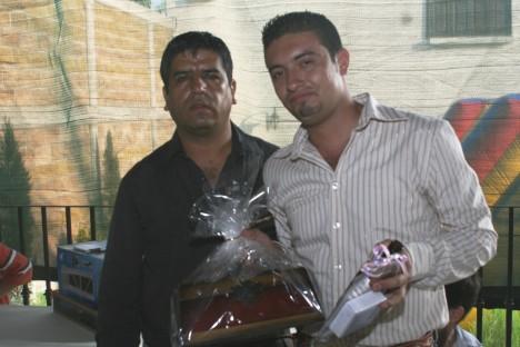 El convivio de los periodistas. Roberto Arellano con Eduardo