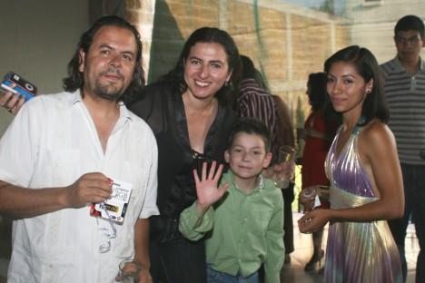 El convivio de los Periodistas. Miguel Rizo, su esposa, su hijo y Magdalena