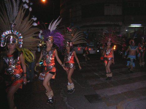 Jovencitas de la danza azteca de La Ermita, Guanajuato