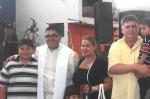 CANTAMISA-El recién ordenado con su hermana, sobrinos y cuñado