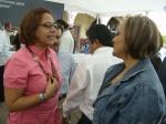 Firma de convenio, 16. Luisa María Calderón, animada conversación