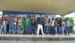 Firma de convenio, 22. Desde el Teatro del Pueblo, los jóvenes lanzaban vivas y porras