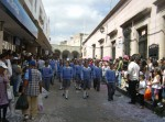 Desfile, 100