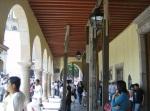 Desfile, 188. Otra vista de un  portal en el edificio de gobierno municipal