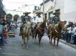 Desfile, 77