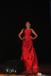 Ivonne Vldovinos en vestido de noche