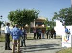 Público esperando cerca de la plaza