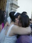 En la boda de Patricia y Jorge, 11, la novia es felicitada con cariño