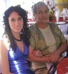 En la boda de Patricia y Jorge, 18, Miry, y su mamá Lupita
