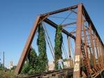 Ario, puente de fierro por donde pasaba el tren